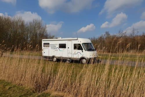 Wohnmobil mieten in Nijmegen von privat   Hymer Villa Ibiza