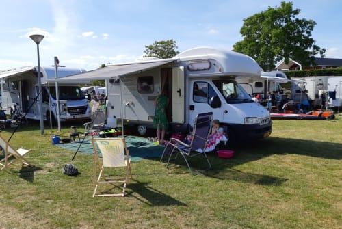 Wohnmobil mieten in Maarssen von privat | Hymer Hymer Camper