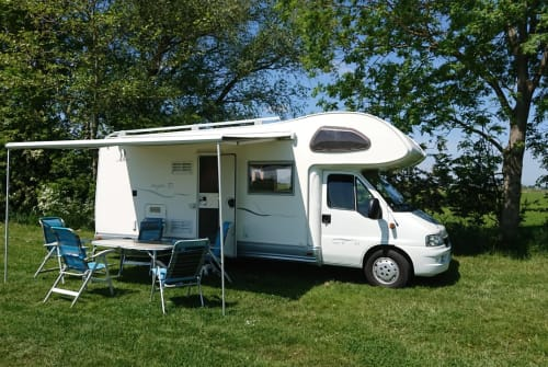 Wohnmobil mieten in Ten Post von privat   Elnagh Familiecamper