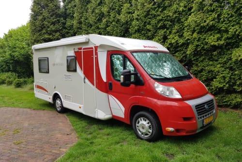 Wohnmobil mieten in Nieuw-Buinen von privat | Dethleffs Rode wauw