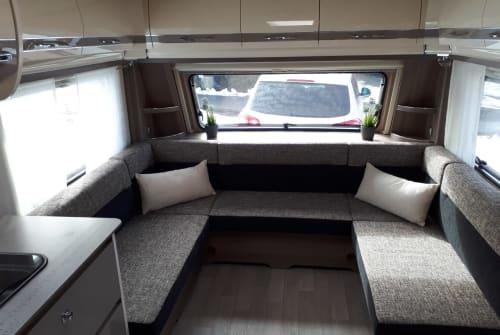 Wohnmobil mieten in Meßstetten von privat   Fendt Luxus Camper