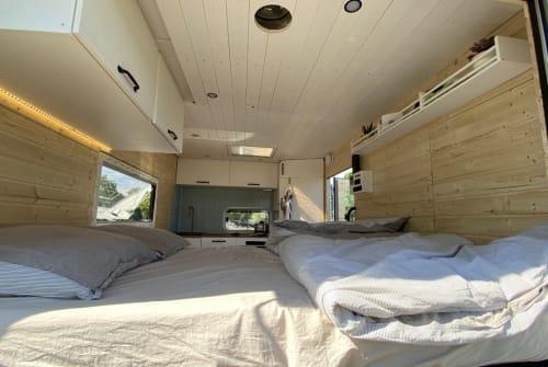 Wohnmobil mieten in Eschweiler von privat | Mercedes Benz Vanbulance