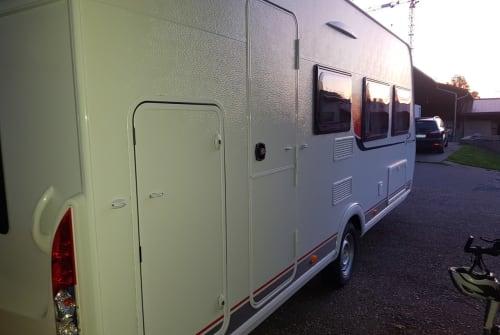 Wohnmobil mieten in Sinsheim von privat | Bürstner Bürste 2.0
