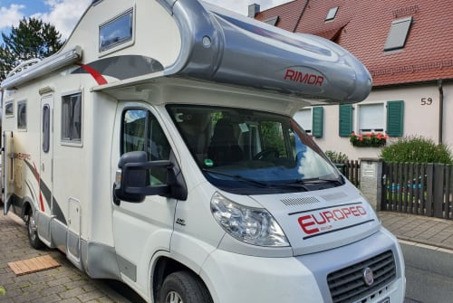Wohnmobil mieten in Erlangen von privat   rimor  Deluxe