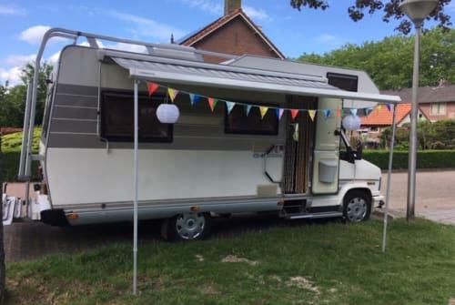 Wohnmobil mieten in Zwolle von privat | Hymer  Kobus
