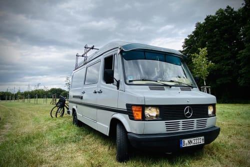 Wohnmobil mieten in Berlin von privat | Mercedes-Benz  Benzi