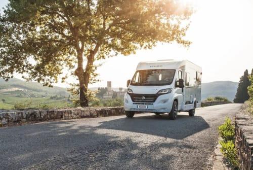 Wohnmobil mieten in Bisingen von privat | Etrusco Van V6600 SB