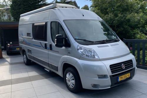 Wohnmobil mieten in Voorburg von privat | Adria  Adria Twin 600