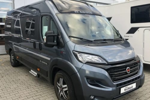 Wohnmobil mieten in Weissach von privat | Adria Supreme SLB 2020 Adrian