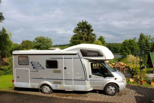 Wohnmobil mieten in Rheinsberg von privat | Hymer Camp Yoda