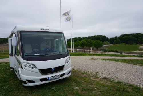 Wohnmobil mieten in Unterschleißheim von privat | Knaus Sky I MunichSky