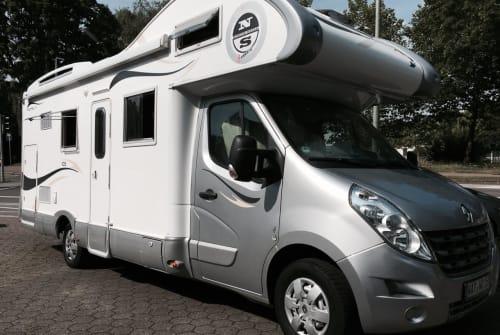 Wohnmobil mieten in Bochum von privat | XGO Rimor Bett-Mobil