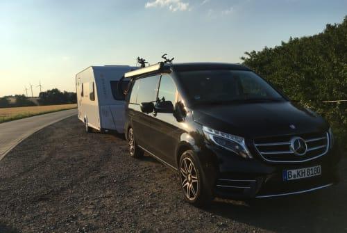 Wohnmobil mieten in Berlin von privat | Mercedes Benz Luxusbus