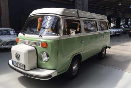 Wohnmobil mieten in Berlin von privat | VW Bus T2 B Camper Takatuka