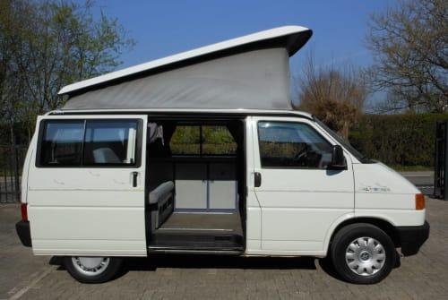 Wohnmobil mieten in Montfoort von privat | Volkswagen T4 hefdak  Snowy white