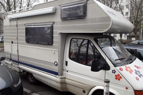 Wohnmobil mieten in Berlin von privat | Ford GARUDA II