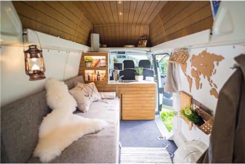 Wohnmobil mieten in Köln von privat | Volkswagen Mahuida - Rabaukenhöhle