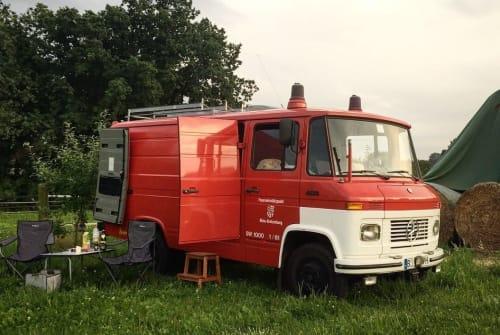 Wohnmobil mieten in Berlin von privat | Mercedes-Benz Egon