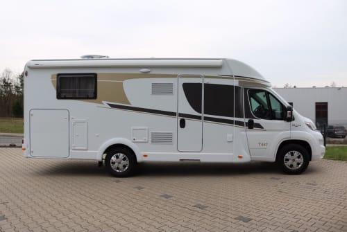 Wohnmobil mieten in Wiehl von privat | Carado GranCanaT447(3)