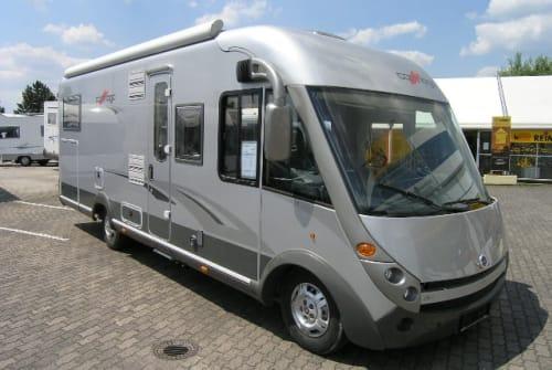 Wohnmobil mieten in Grünberg von privat | Carthago Chic eLine 51 i Robin