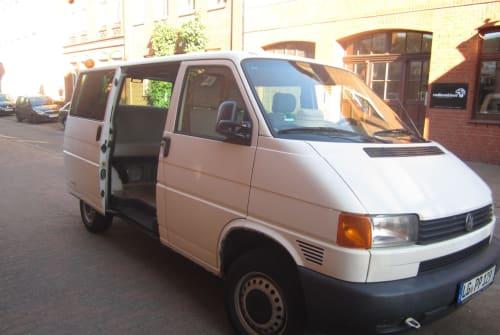 Wohnmobil mieten in Lüneburg von privat | Volkswagen Bulli Ready