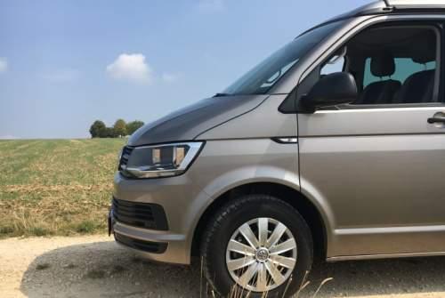 Wohnmobil mieten in Stuttgart von privat | VW T6  Schwoabablitz