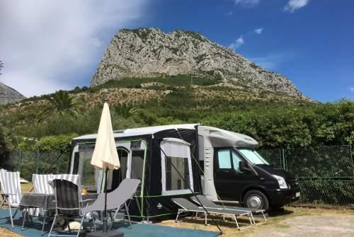 Wohnmobil mieten in Külsheim von privat | Ford Dethleff 2,4TDI  BlackGandi