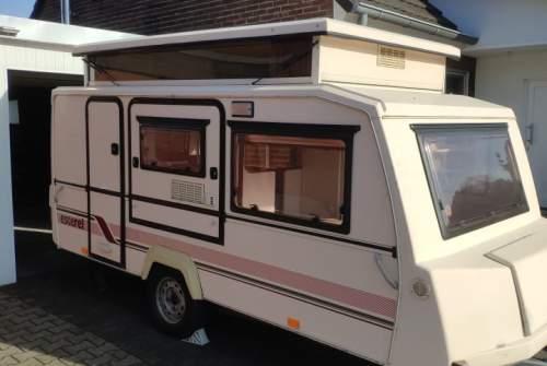 Wohnmobil mieten in Neukirchen-Vluyn von privat | Esterel Hubbi