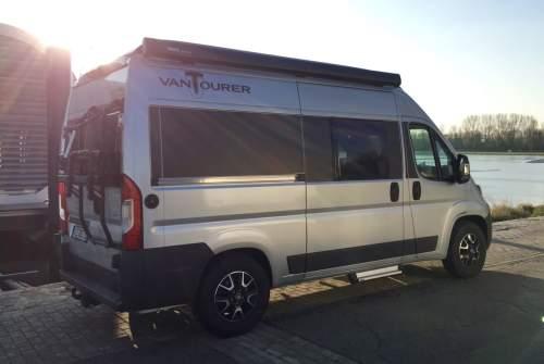 Wohnmobil mieten in Niederkrüchten von privat | Vantourer BC Bus
