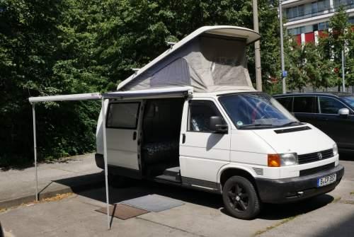 wohnmobil multivan in berlin mieten. Black Bedroom Furniture Sets. Home Design Ideas