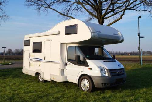 Wohnmobil mieten in Rosmalen von privat | Trigano Camper Trigano