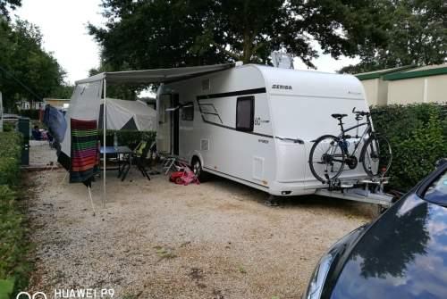 wohnmobil camper karlie in bad waldsee mieten. Black Bedroom Furniture Sets. Home Design Ideas