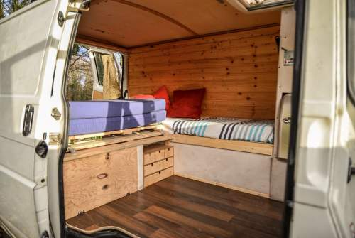 wohnmobil martin in bremen mieten. Black Bedroom Furniture Sets. Home Design Ideas
