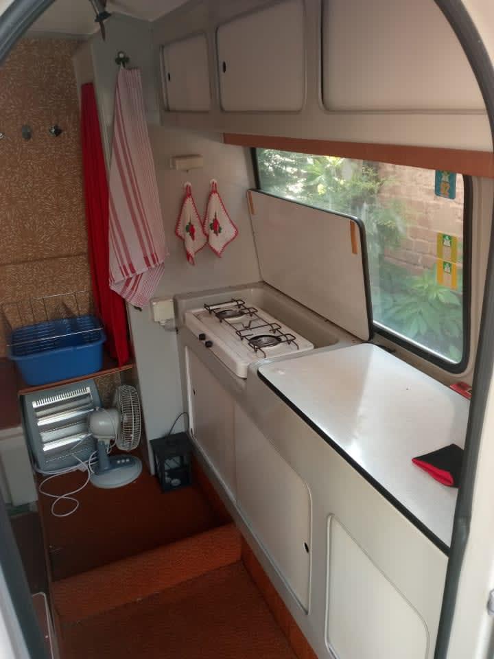wohnmobil queck junior in weimar mieten. Black Bedroom Furniture Sets. Home Design Ideas
