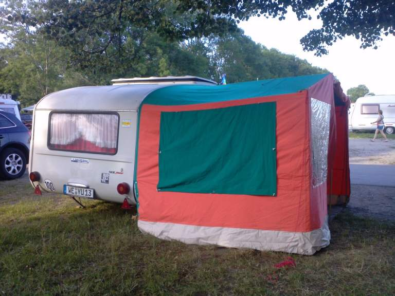 wohnwagen queck junior in weimar mieten. Black Bedroom Furniture Sets. Home Design Ideas