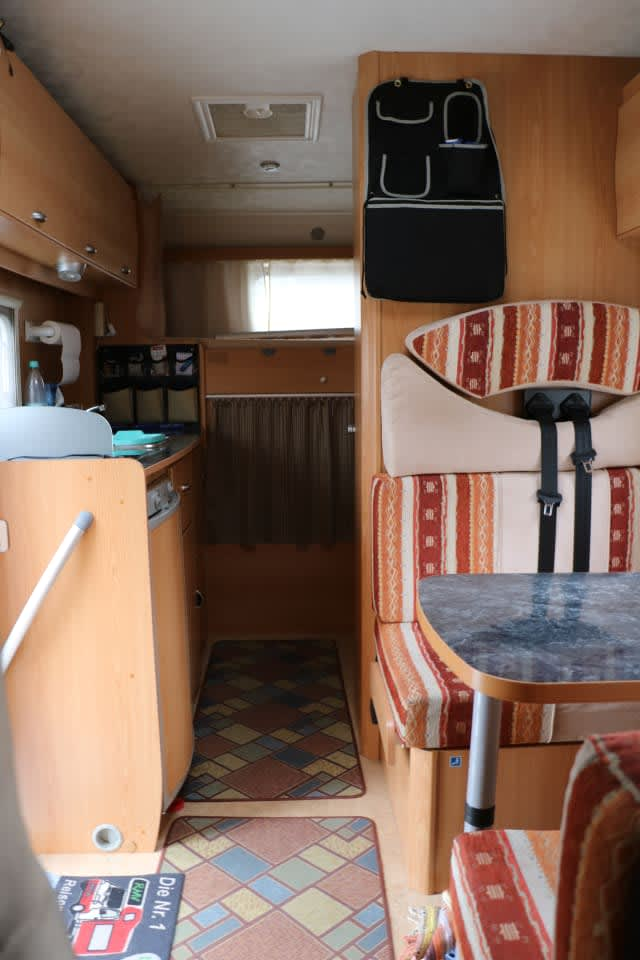 wohnmobil nobel art a 700 in frankfurt am main mieten. Black Bedroom Furniture Sets. Home Design Ideas