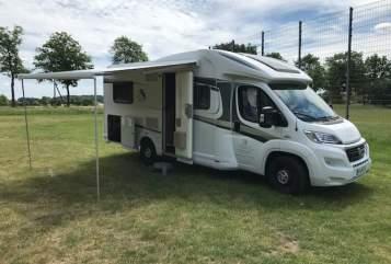 Wohnmobil mieten in Kempen von privat | Knaus Family Camper Four