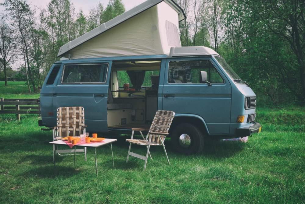 Wohnmobil mieten in Zelhem von privat | Volkswagen T3  met De Smurf retro kamperen in de Achterhoek