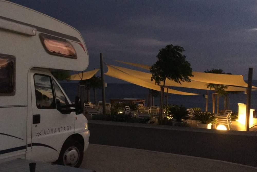 Wohnmobil mieten in Gilten von privat | Dethleffs Dethleffs Advantage