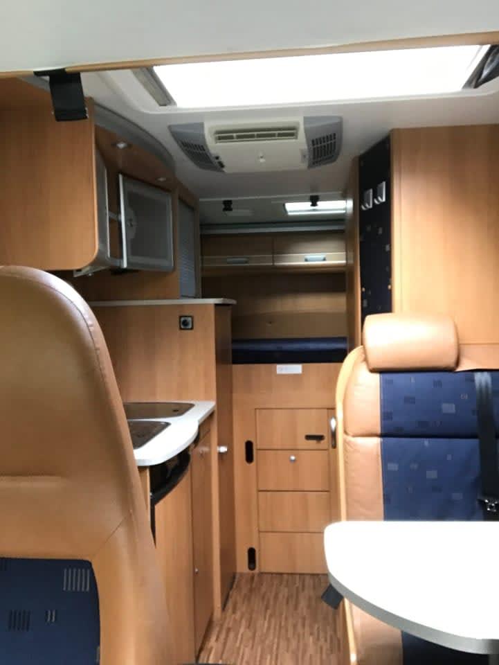 wohnmobil dethleffs globebus in jena mieten. Black Bedroom Furniture Sets. Home Design Ideas