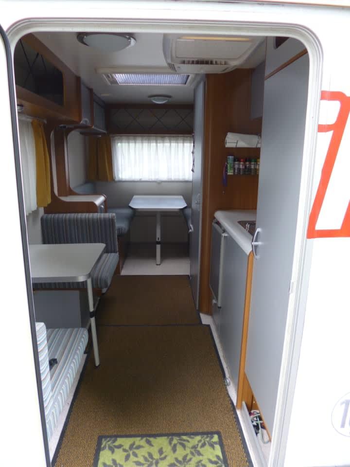 wohnmobil deseo ww mit motorradhalterung in m nchen mieten. Black Bedroom Furniture Sets. Home Design Ideas