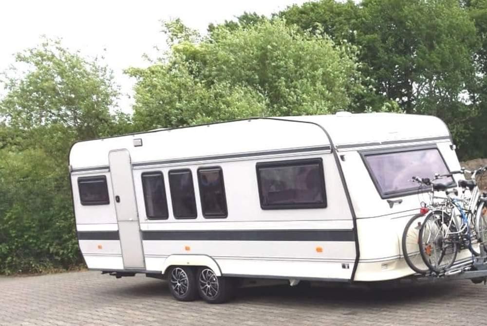 Wohnmobil mieten in Hamm von privat | Hobby Shabby chic Caravan mit Vorzelt