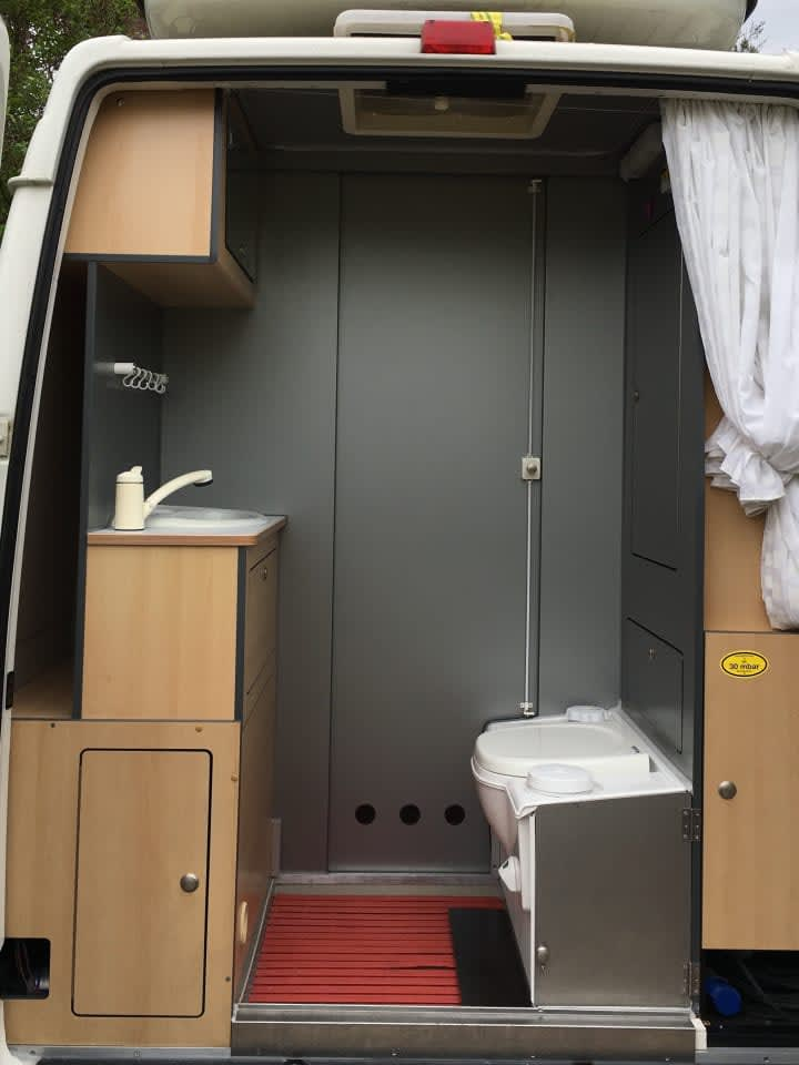 wohnmobil vw camper lt35 deluxe in t bingen mieten. Black Bedroom Furniture Sets. Home Design Ideas