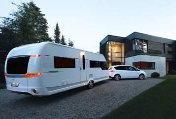 Wohnmobil mieten in Cremlingen von privat | HOBBY Fluchtwagen ins Grüne