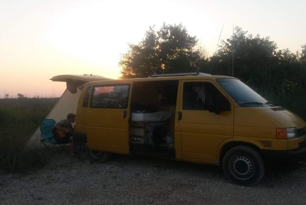Wohnmobil mieten in Berlin von privat | Volkswagen Flotte Biene