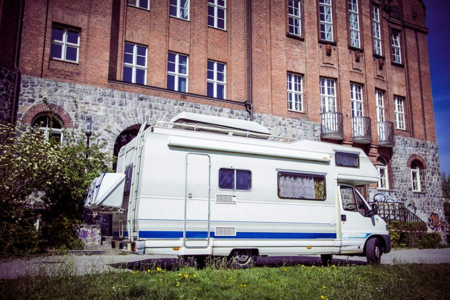 wohnmobil tipiyeah mobil in berlin mieten. Black Bedroom Furniture Sets. Home Design Ideas