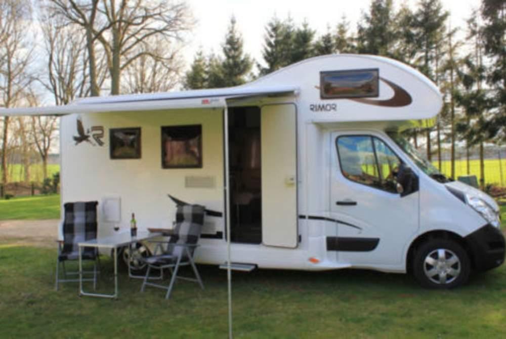 Wohnmobil mieten in Dortmund von privat   Rimor Rimor Katamarano 6 Schlafplätze, 6 Gurte