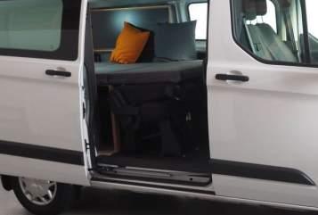 wohnmobil mieten b blingen gro e auswahl bei paulcamper. Black Bedroom Furniture Sets. Home Design Ideas