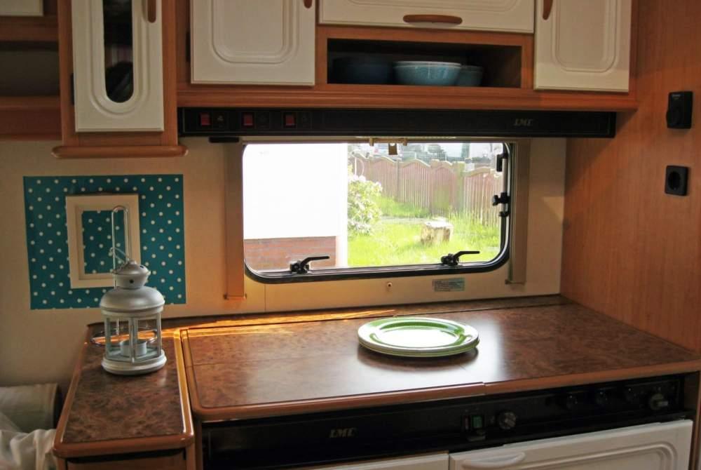 wohnwagen bromobil in cuxhaven mieten. Black Bedroom Furniture Sets. Home Design Ideas